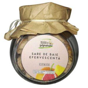 Ingredientele din aceasta sare de baie efervescenta cu citrice au fost alese pentru proprietăţile lor de hidratare și catifelare.