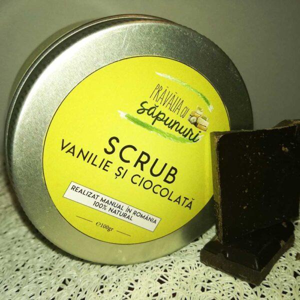 """Scrub cu vanilie si ciocolata catifelează pielea, elimină celulele moarte, stimulează circulația sângelui și """"trezește"""" sistemul limfatic. Produs natural."""